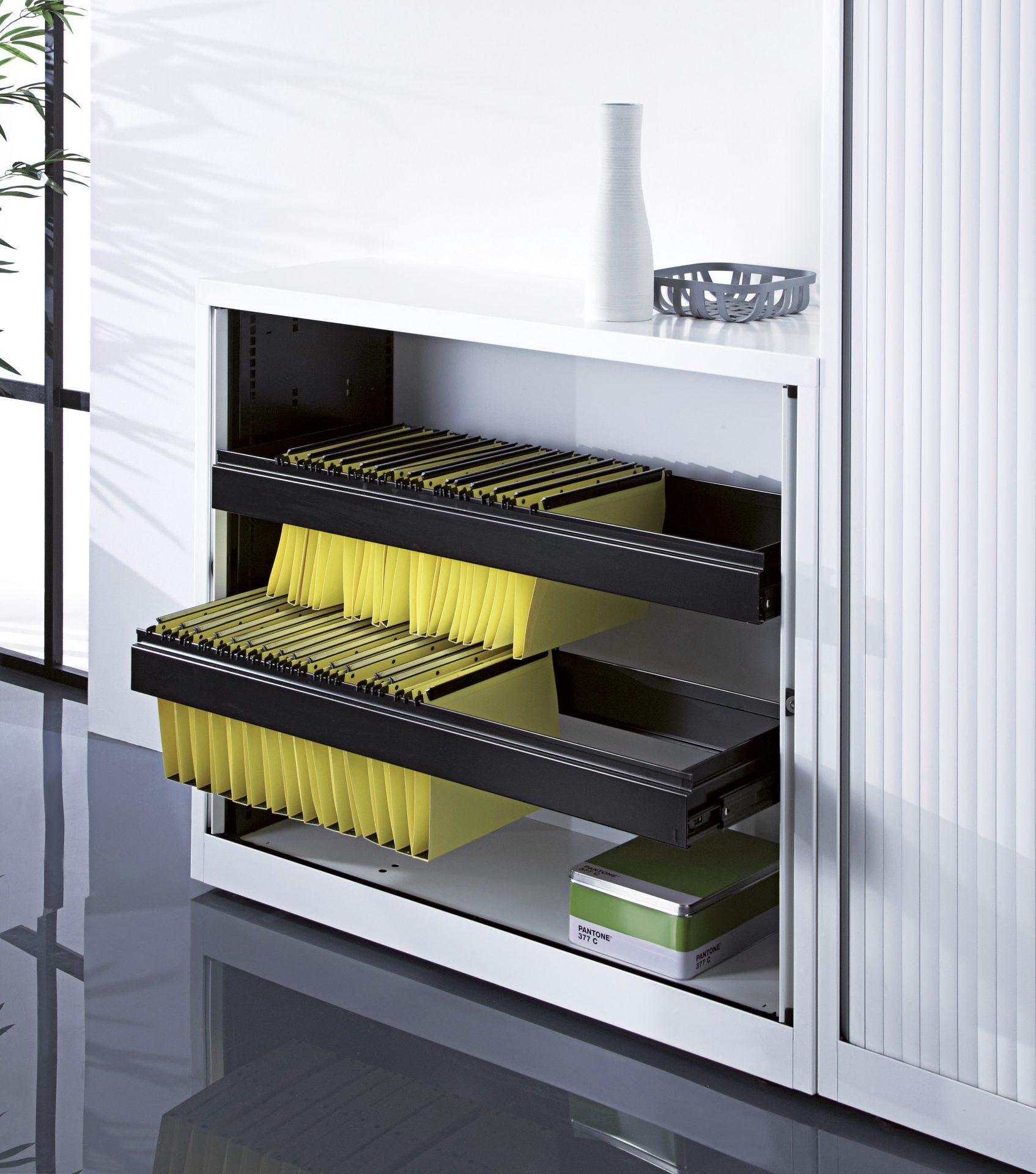 gamme d 39 armoires de bureau avec fermeture portes rideaux. Black Bedroom Furniture Sets. Home Design Ideas