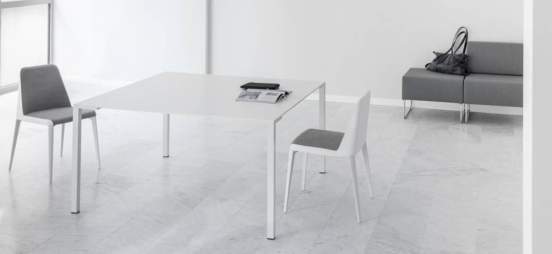 table d 39 espaces collectifs carr e design togo 2m mobilier bureau. Black Bedroom Furniture Sets. Home Design Ideas