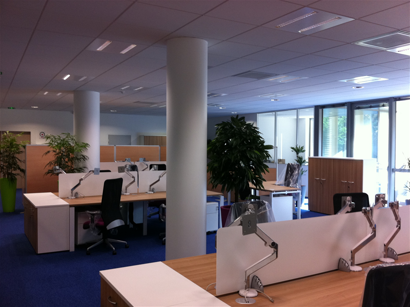 Am nagement de 350m2 de bureaux veolia saint denis 2m for Mobilier de bureau denis