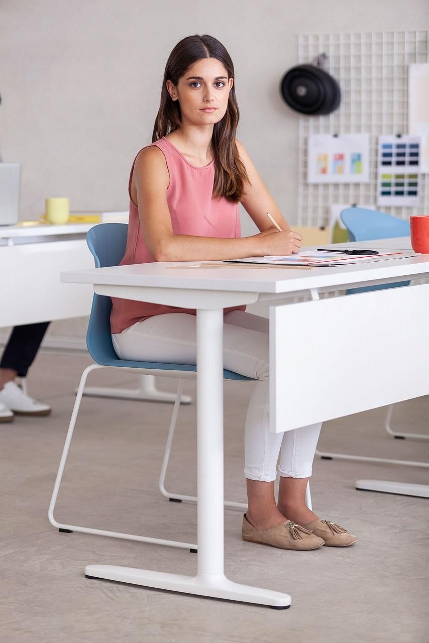 table ajustable e hauteur manuel