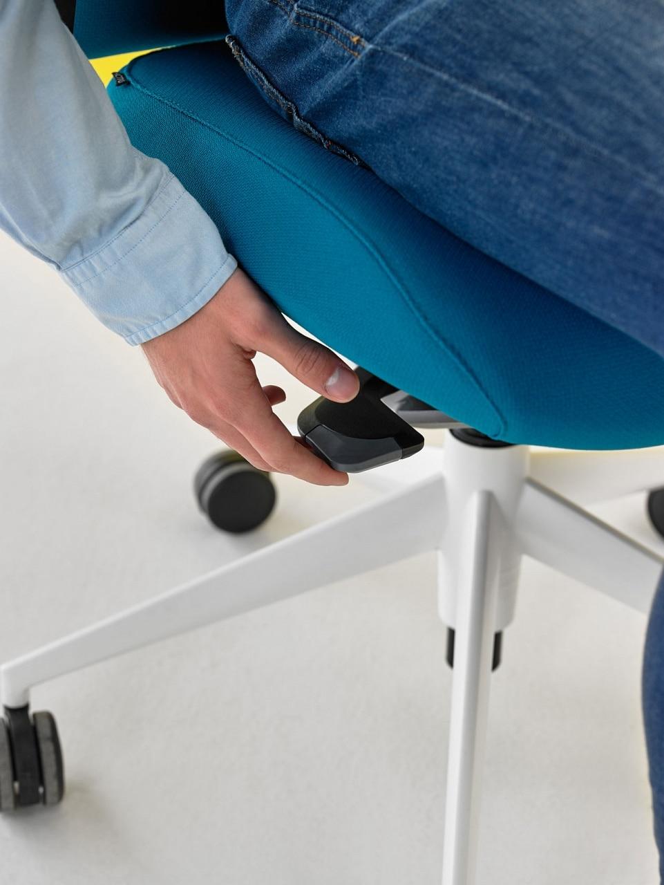 ajuster la hauteur de la chaise de bureau