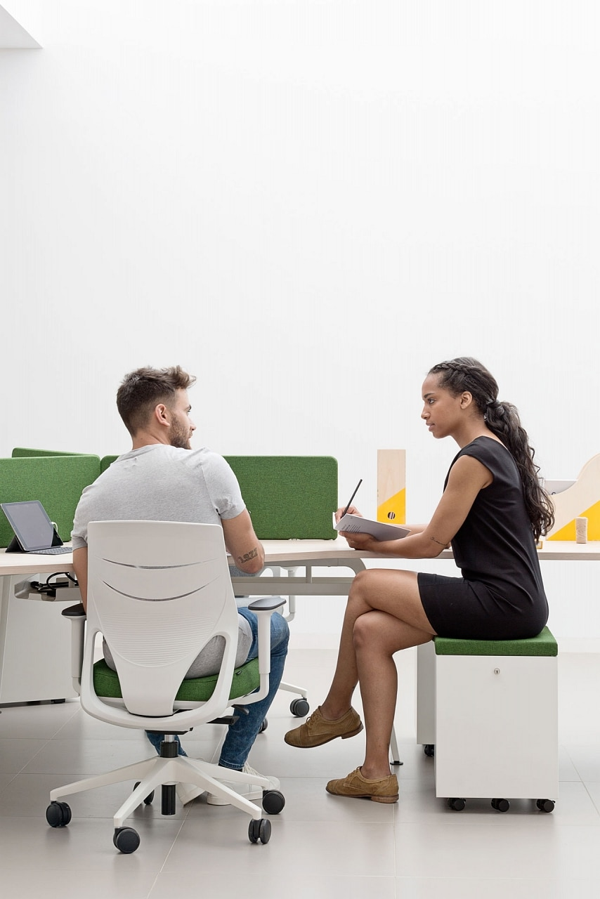 largeur chaise de bureau ergoonmique